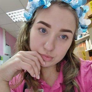 Оля Лазарева