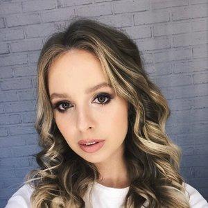 Карина Попёнова