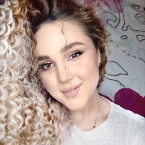 Дарья довженко