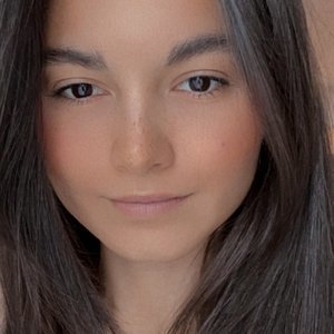 Амина Намозова